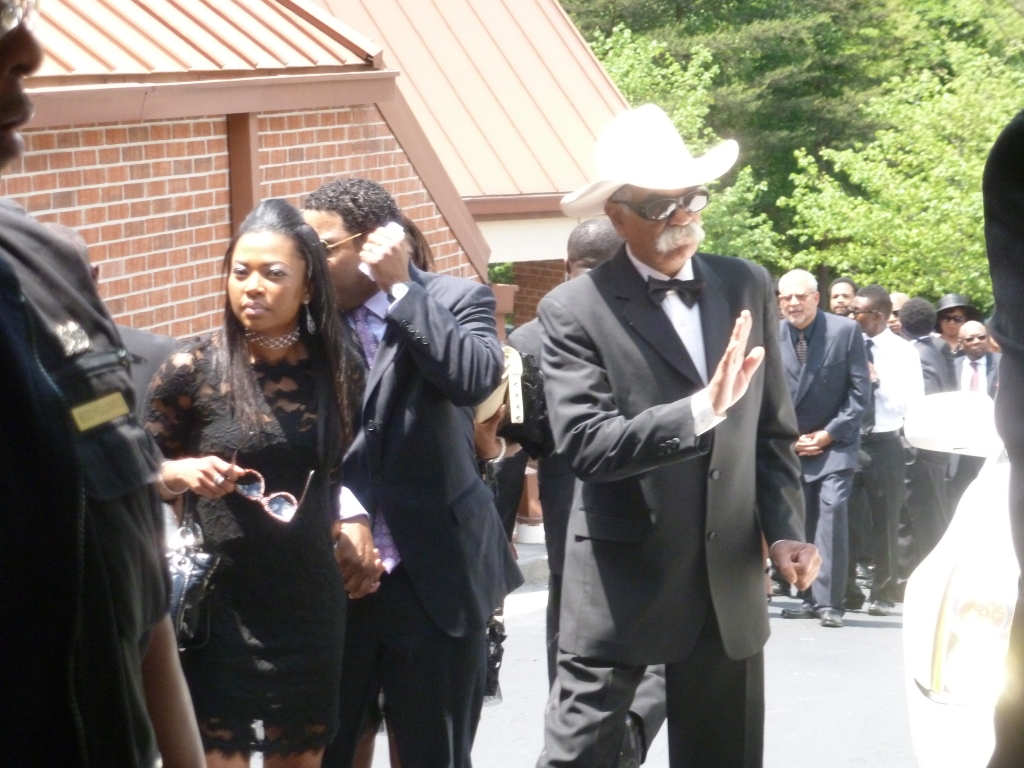 Funeral Service For Chris Kelly Of Kris Kross Cbs Atlanta