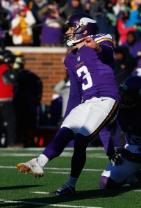 MINNEAPOLIS, MN - JANUARY 10: Blair Walsh #3 of the Minnesota Vikings misses a 27-yard field goal in the fourth quarter against the Seattle Seahawks during the NFC Wild Card Playoff game at TCFBank Stadium on January 10, 2016 in Minneapolis, Minnesota. The Seattle Seahawks defeat the Minnesota Vikings with a score of 10 to 9. (Credit: Jamie Squire/Getty Images)