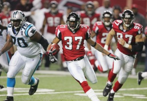 Aaron Beasley's interception in overtime led the Falcons to the thrilling overtime win over the Carolina Panthers in 2004. (Photo by Streeter Lecka/Getty Images)