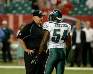 Philadelphia Eagles coach Andy Reid tells linebacker Jeremiah Trotter he has been ejected from the game at the Georiga Dome on September 12, 2005. (Photo by Al Messerschmidt/Getty Images)